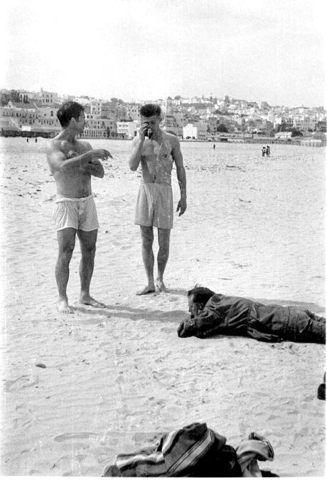 Orlovksi, Keruak i Barouz na plaži u Maroku